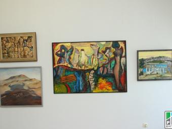 Выставка дарений стартовала в Национальном музее Дагестана