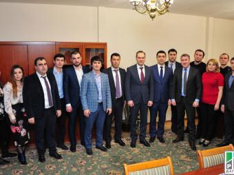 Артём Здунов ознакомился с деятельностью министерства по делам молодежи Дагестана