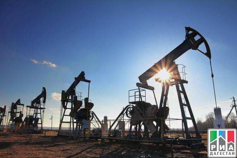 Цены на нефть растут в ожидании переговоров России и ОПЕК