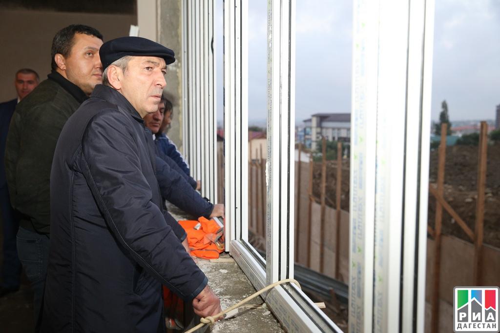 Абдусамад Гамидов проинспектировал школу в с. Карланюрт