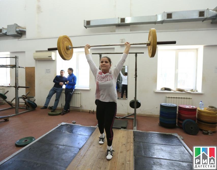 Тяжелоатлеты изДагестана выступят напервенстве СКФО