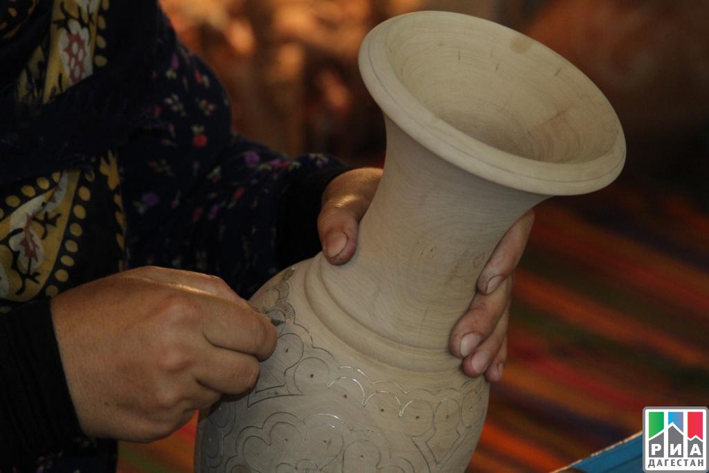 Выставка изделий унцукульских мастеров «Жемчужина Дагестана» открылась вМахачкале