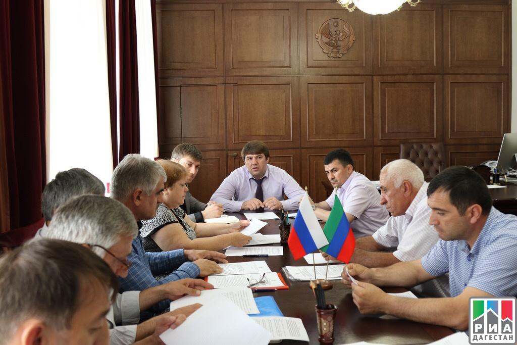 Минтруд Дагестана следит заповышением заработной платы социальных работников