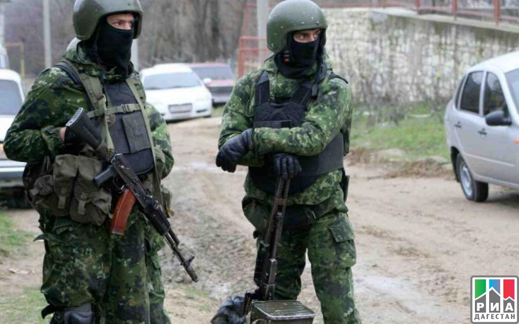 ВДербенте при специализированной операции задержали подозреваемых вразбойном нападении