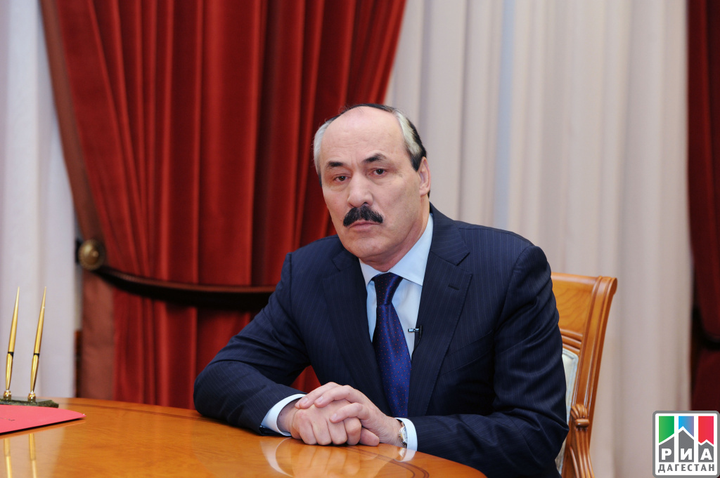 ВДень семьи Рамазан Абдулатипов обратился кжителям республики споздравительной речью