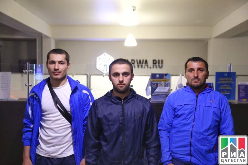 Трое дагестанских паломников направились вхадж навелосипедах