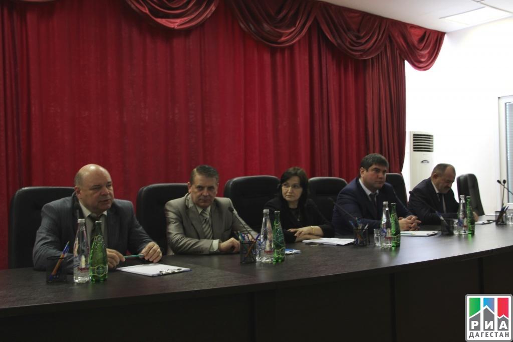 Коллективу дагестанского Пенсионного фонда представили нового руководителя