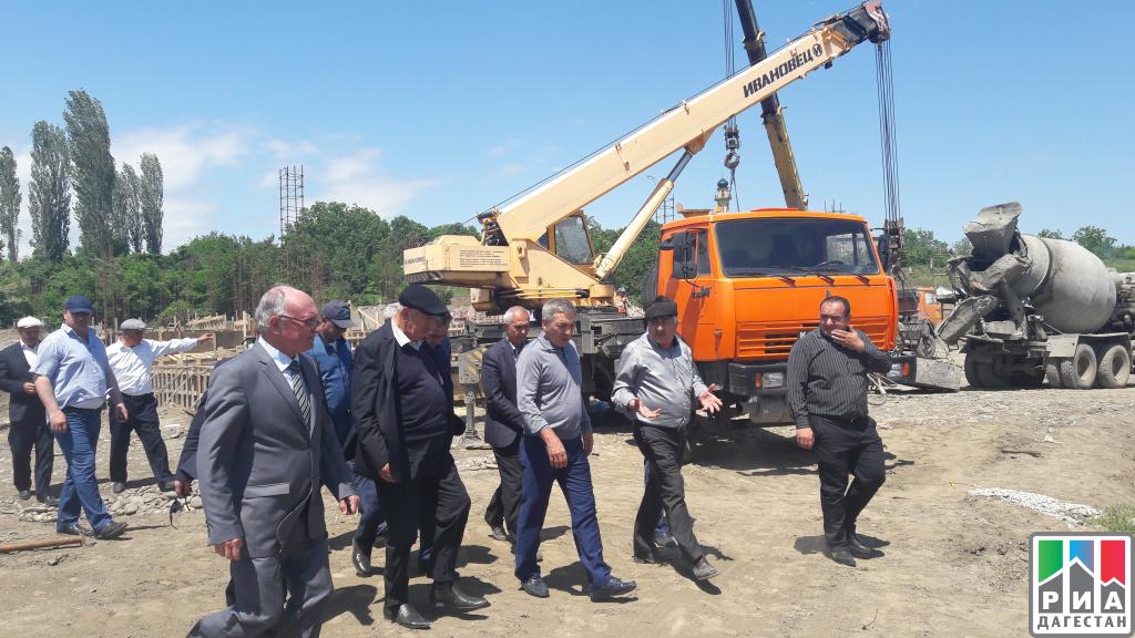 Премьер Дагестана прибыл срабочим визитом вМагарамкентский район