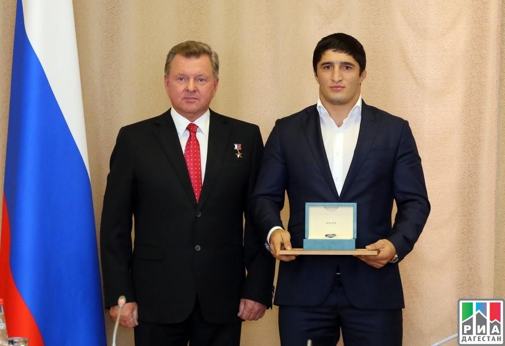 Воробьев вручил награды подмосковным призёрам Олимпиады вРио-де-Жанейро