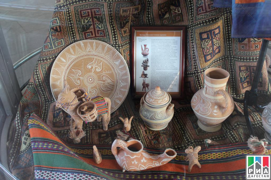 Настанции метро «Воробьевы горы» в столице России открылась выставка промыслов Дагестана