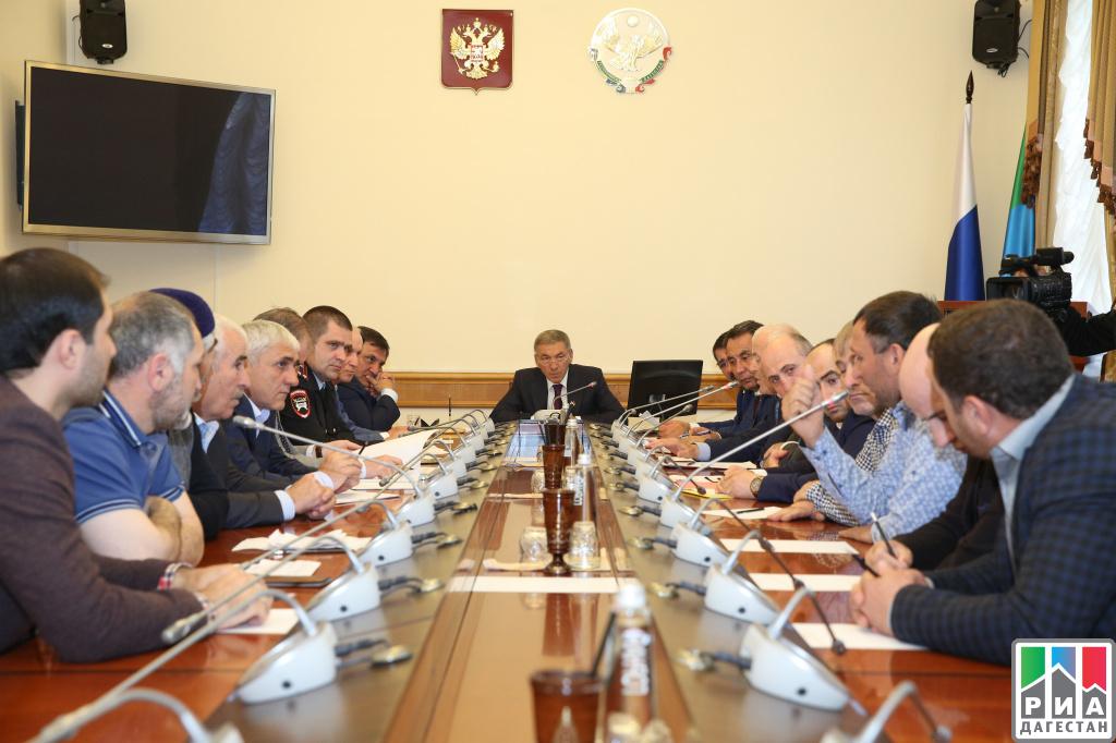 В руководстве Дагестане обсудили проблемные вопросы дальнобойщиков