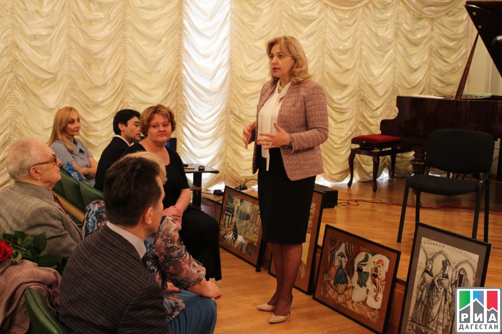 ВМахачкале вручили дипломы первым выпускникам Школы для одаренных детей Мурада Кажлаева