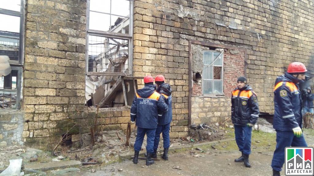 ВМахачкале назаводе обвалился потолок, два человека пострадали