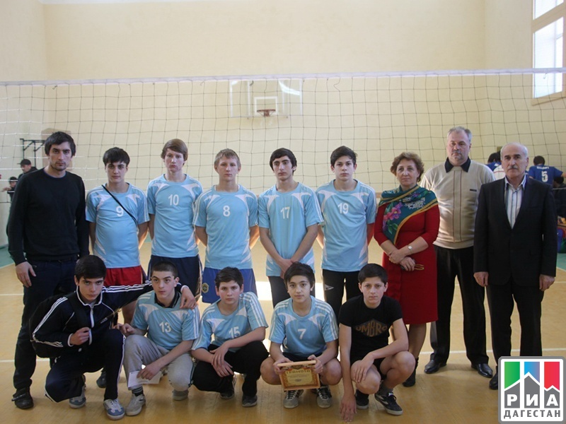 В кизлярском районе подвели итоги первенства по волейболу среди юношей и девушек 1998-1999 годов рождения