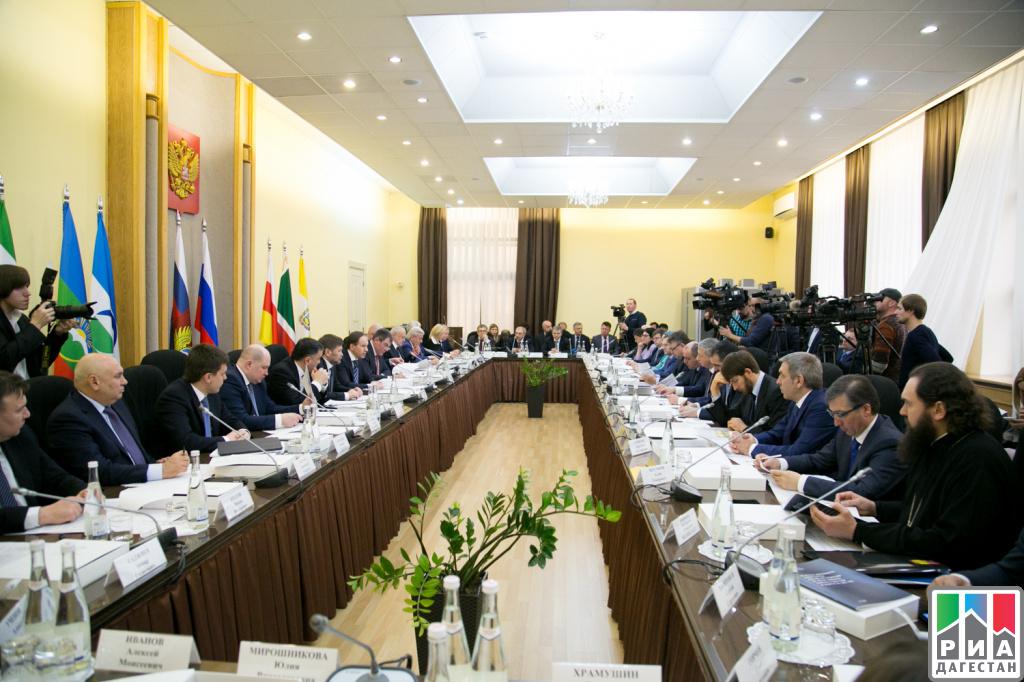 Абдусамад Гамидов принял участие витоговом совещании коллегии МинкавказаРФ