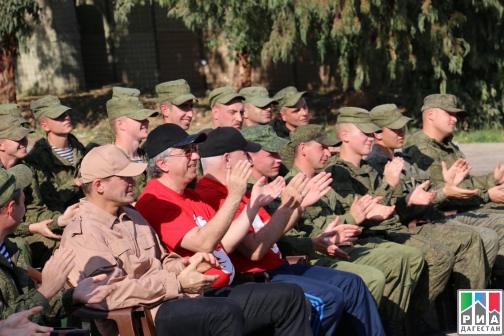 Ансамбль «Лезгинка» выступил вСирии перед личным составом русской армии