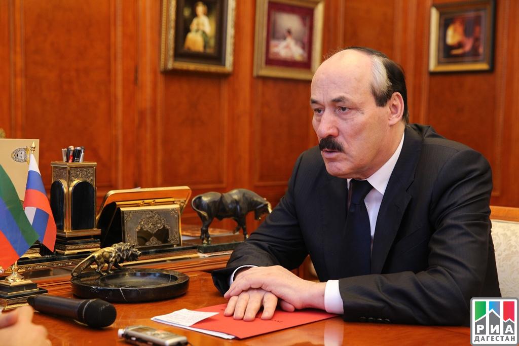 Рамазан Абдулатипов обсудил сАлексеем Михеевым работу собращениями жителей вреспублике