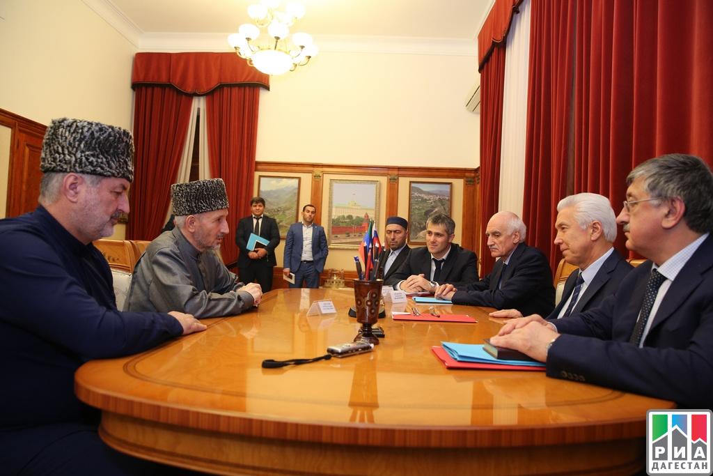 Врио руководителя Дагестана Владимир Васильев попросил совета умуфтия