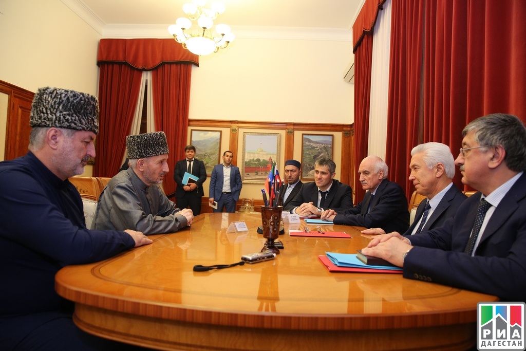 Врио руководителя Дагестана провел встречу сепископом Махачкалинским иГрозненским Варлаамом