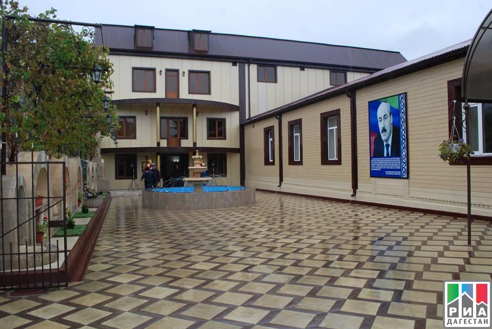 Новое сооружение среднеобразовательной школы №9 открыли вХасавюрте
