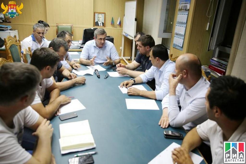 Дагестанские cотрудники экстренных служб ликвидируют последствия урагана
