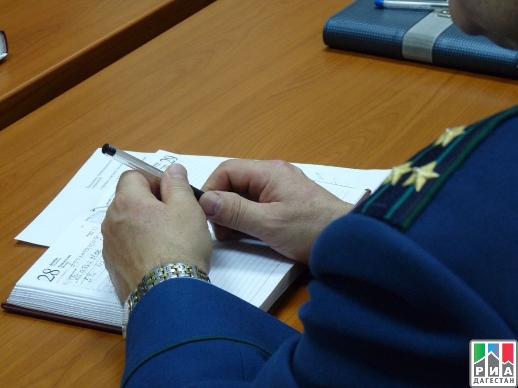 Гражданин Дагестана ответит всуде запосягательство нажизнь служащих милиции