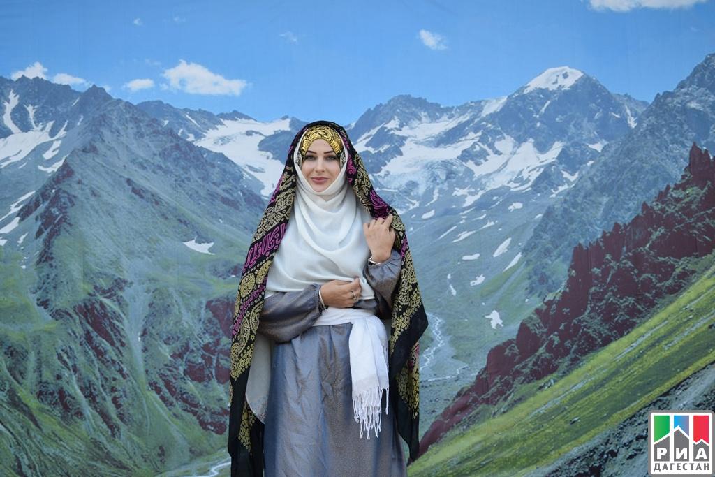 Фестиваль вчесть Дня Конституции Дагестана
