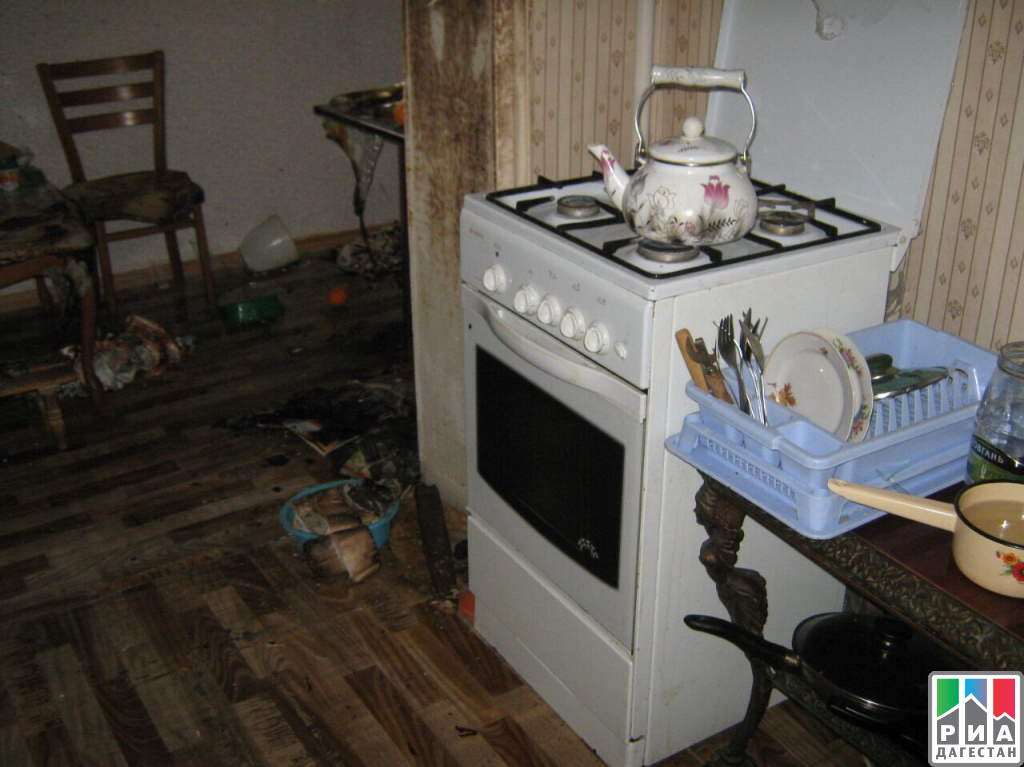 Газ взорвался впятиэтажном жилом доме вДагестане, имеется пострадавший - МЧС