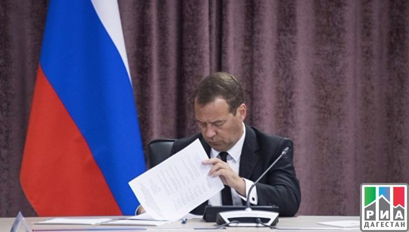 Медведев выделил Бурятии 13 машин «скорой помощи»