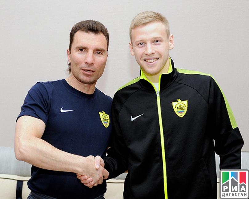Асильдаров снова вернулся в«Анжи»