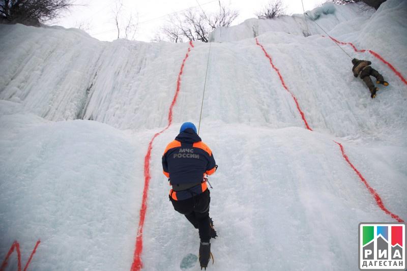 ВДагестане ученик ДГУ лучше всех победил ледяной водопад