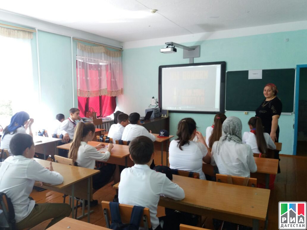 Алтайские выпускники пишут ВПР поистории