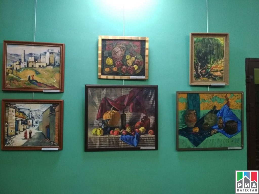 ВГрозном открылась выставка дагестанских живописцев