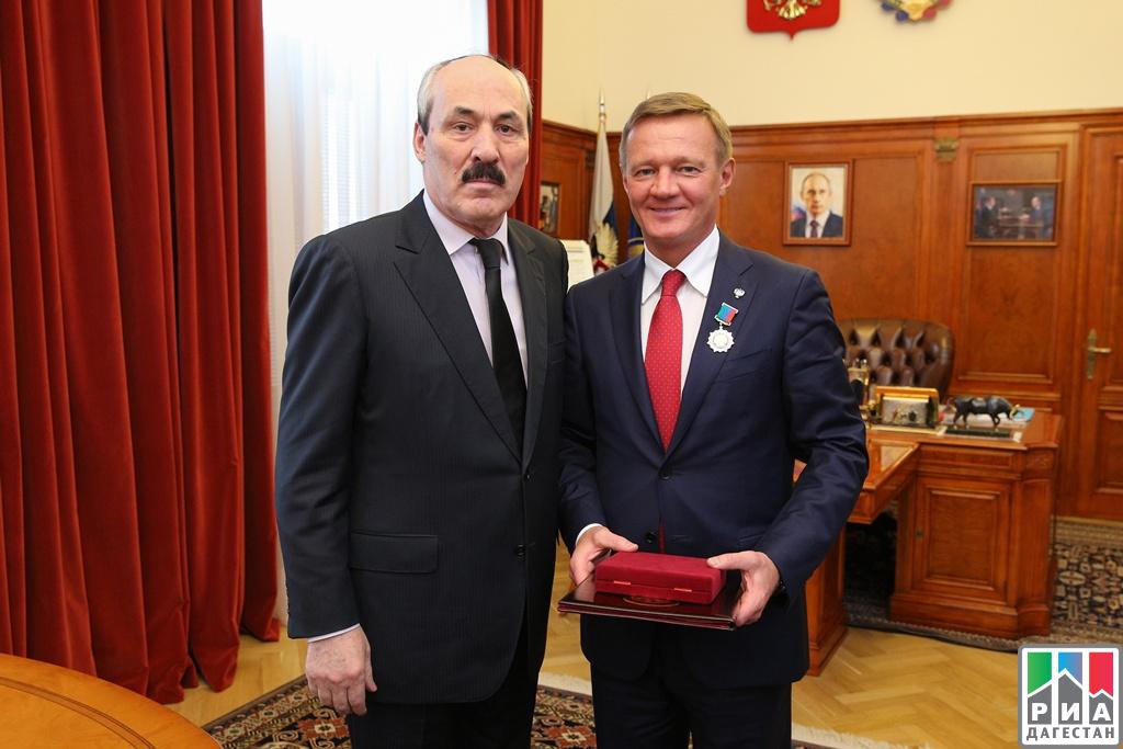 Мэр Каспийска получил орден заслуги перед Дагестаном