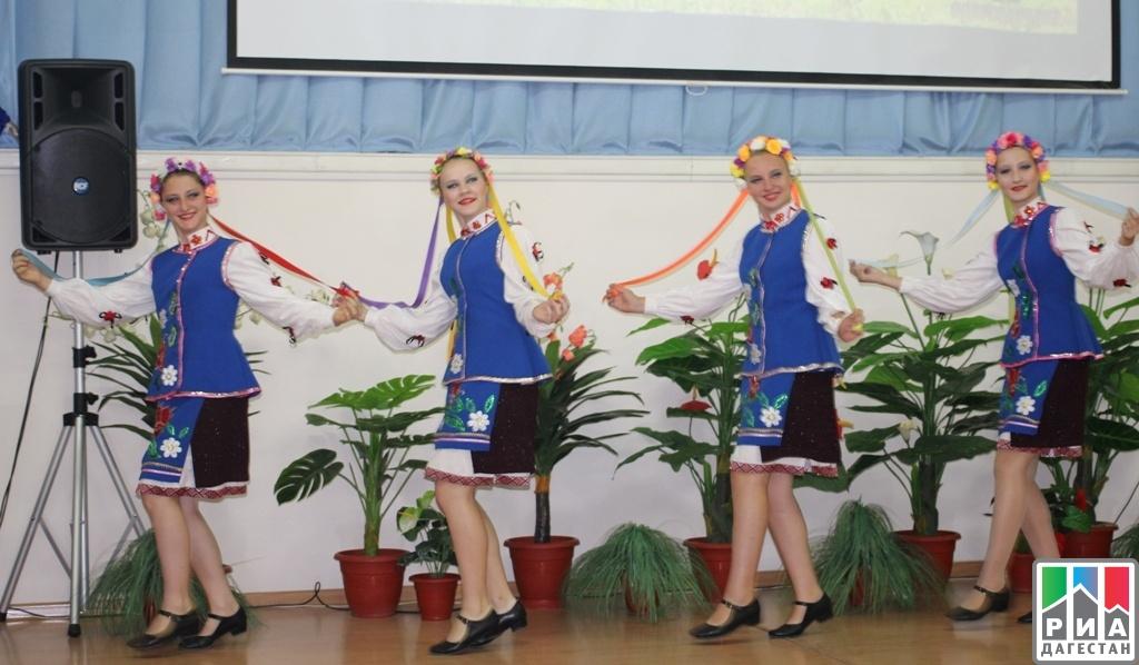 ВМахачкале торжественно отметили День единства народов Дагестана