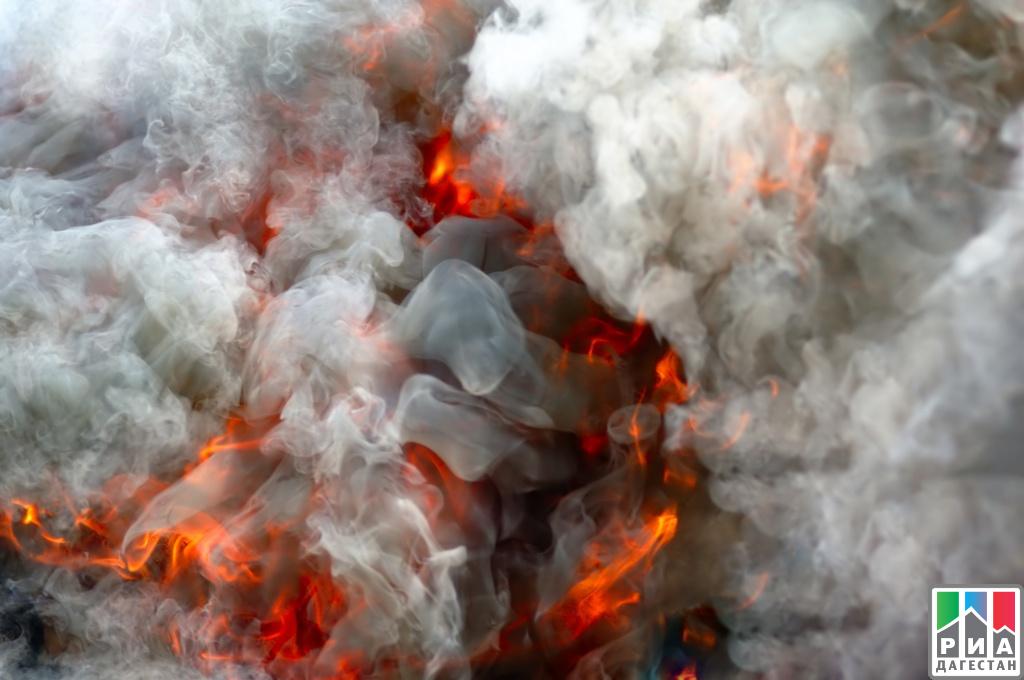Три дома имечеть навсе 100% сгорели вДагестане
