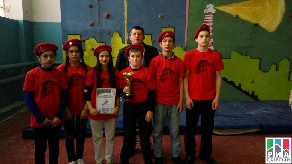 Награды главенства Дагестана разыграли 250 скалолазов