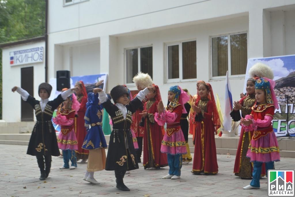 ВДербенте отметили День единства народов Дагестана