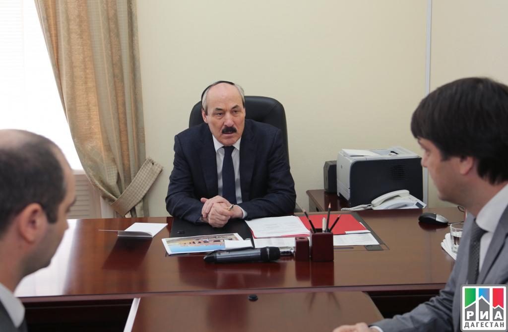Руководитель Дагестана: Долгостроев вреспублике быть недолжно