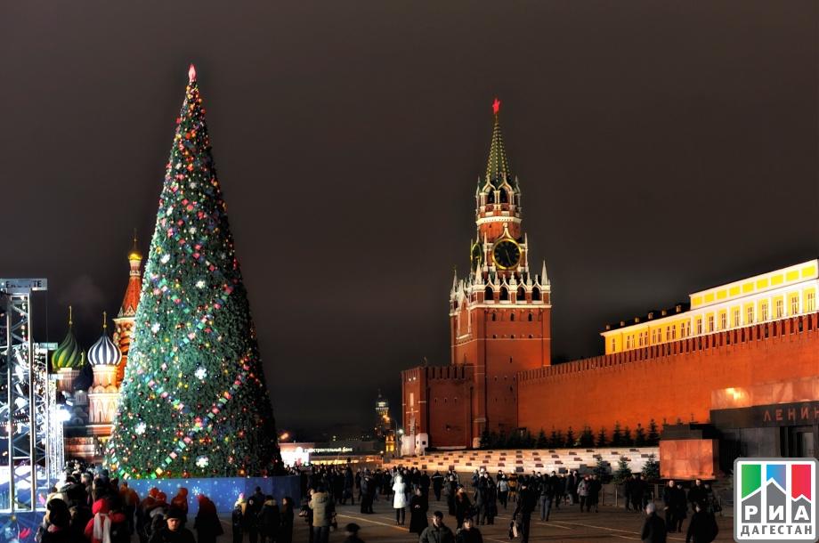 Кремлевская елка ожидает 50 волгоградских детей