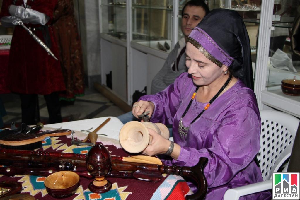 Арт-проект сучастием молодых живописцев пройдёт наэтнофоруме Дагестана