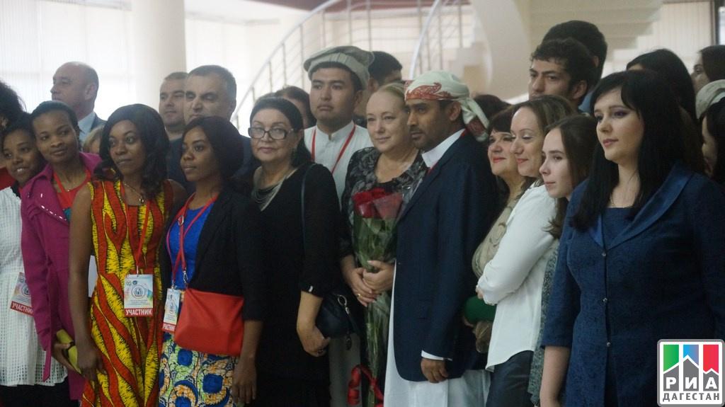 IРеспубликанский этнофестиваль студентов-иностранцев прошел вМахачкале