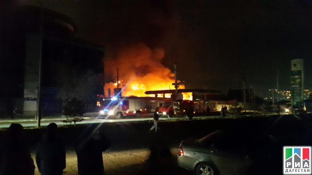 Пожар после взрыва наАЗС вМахачкале ликвидирован
