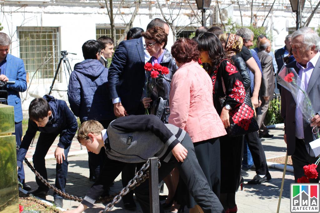 ВКурахово прошел праздничный митинг, посвященный 31-й годовщине трагедии наЧернобыльской АЭС