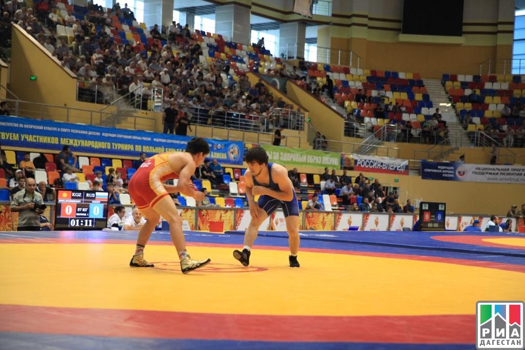 Российские борцы завоевали 6 золотых медалей на мемориале Али Алиева в Каспийске