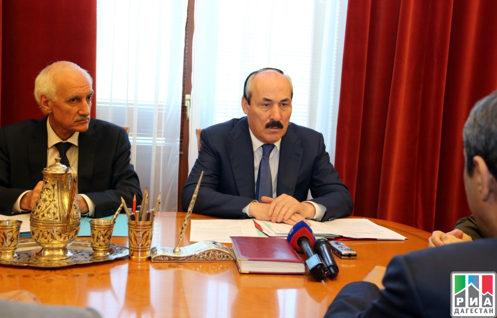 Руководитель Дагестана встретился сПослом Саудовской Аравии вРФ