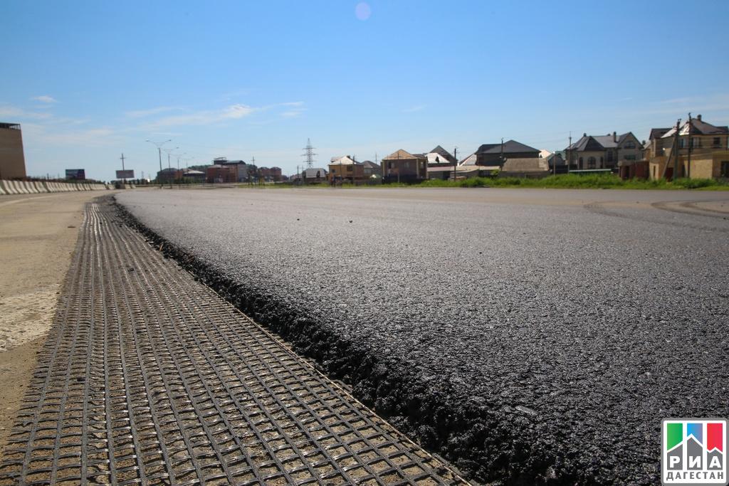 Каспийск: Председатель руководства Дагестана проконтролировал ход ремонтных работ на автотрассе Махачкала