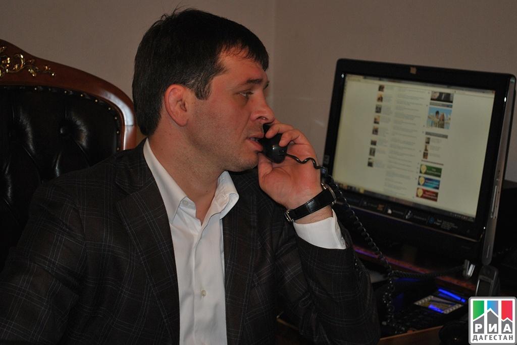 Домой криминал и полиция переживший покушение бывший вице-мэр кизляра рассказал на суде над экс-главой кизлярского района глава строительной компании в дагестане обвиняется в хищении почти миллионов рублей.