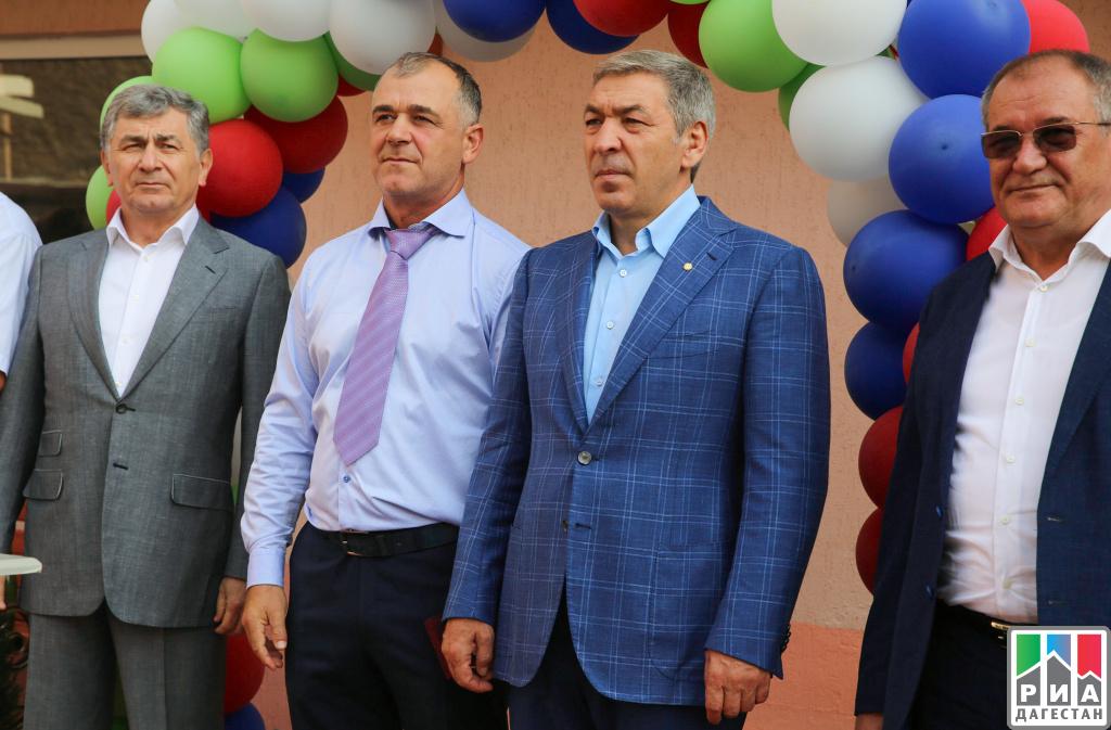Председатель руководства Дагестана вручил ключи отквартир 27 семьям вДербенте