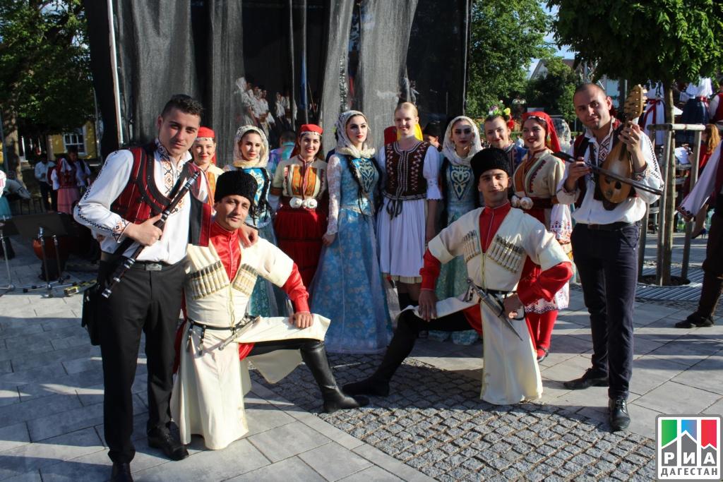 Дагестанский ансамбль нафестивале вЧехии провел мастер-класс полезгинке